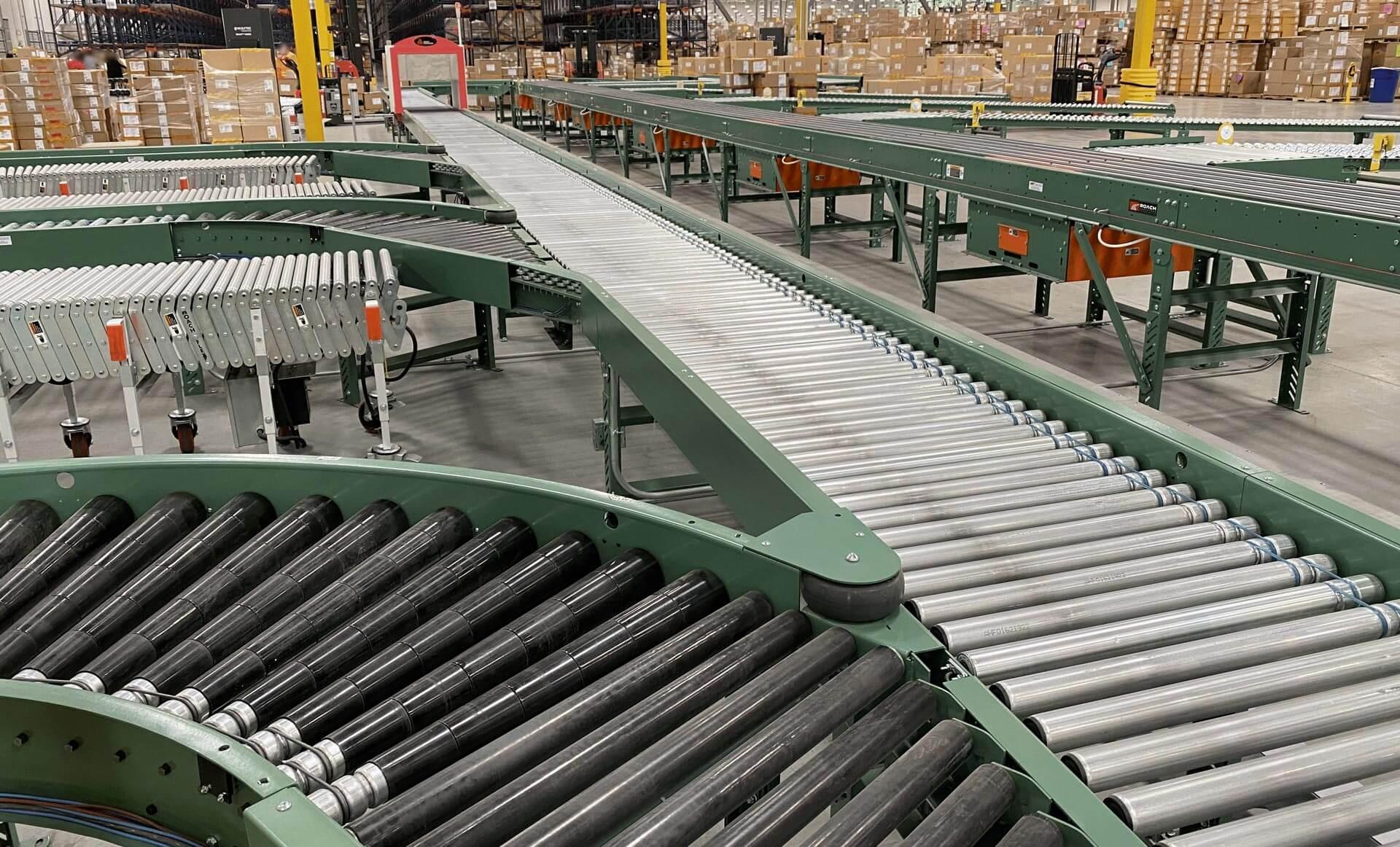 Conveyor System in Warehouse