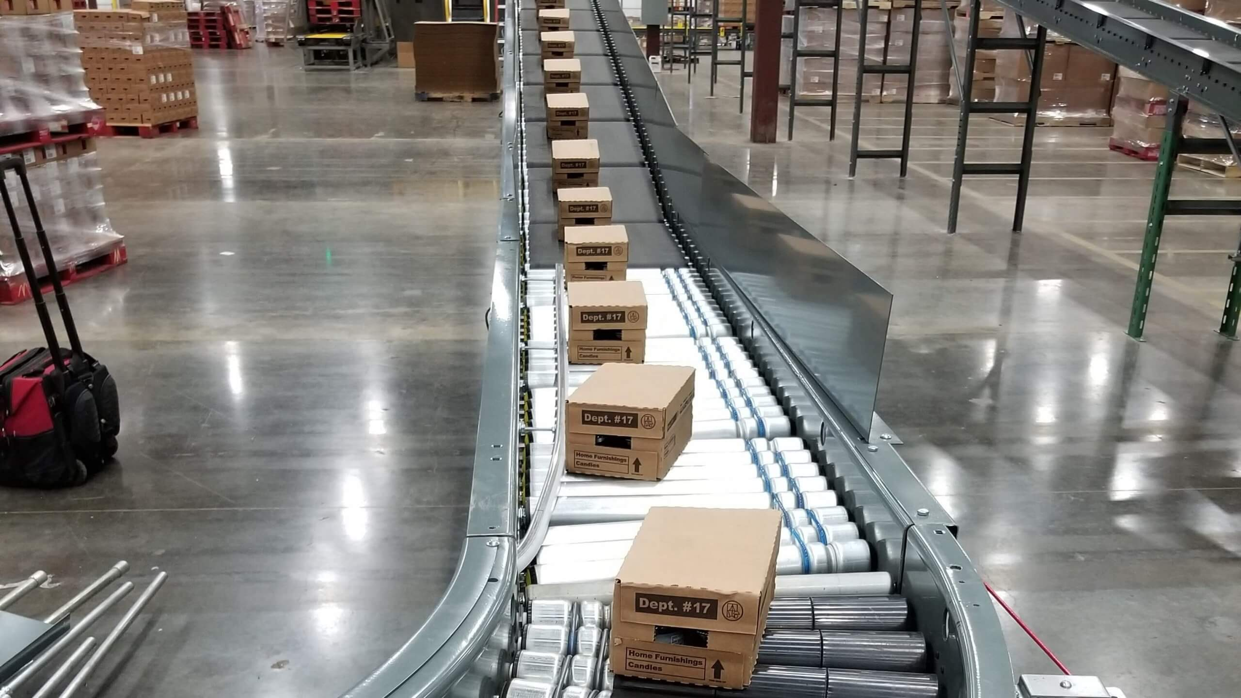 conveyor belt with shipping boxes